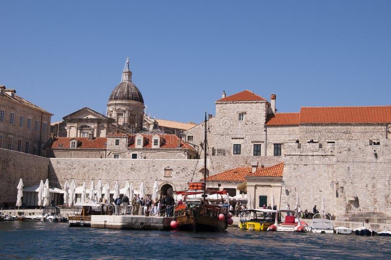 el puerto de Dubrovnic en Croacia Europa imagen de archivo
