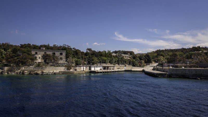 El puerto de la isla Goli Otok imagen de archivo