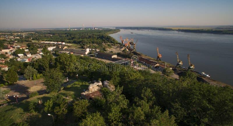 El puerto de Svishtov, Bulgaria, julio de 2017 fotografía de archivo