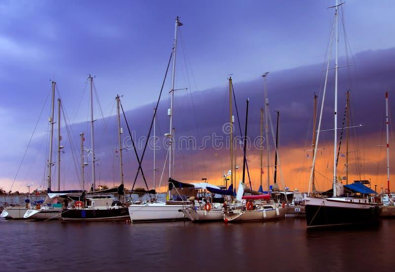 El puerto deportivo en Kalamata fotografía de archivo