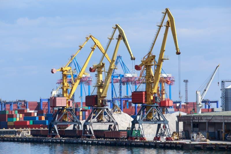 El puerto marítimo foto de archivo