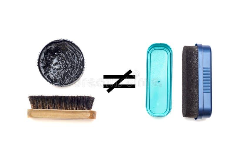 El pulimento y la esponja de zapato no son lo mismo stock de ilustración
