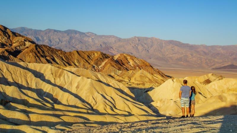 El punto de Zabriskie es una parte de gama de Amargosa situada al este de Death Valley en el parque nacional de Death Valley en C imagen de archivo
