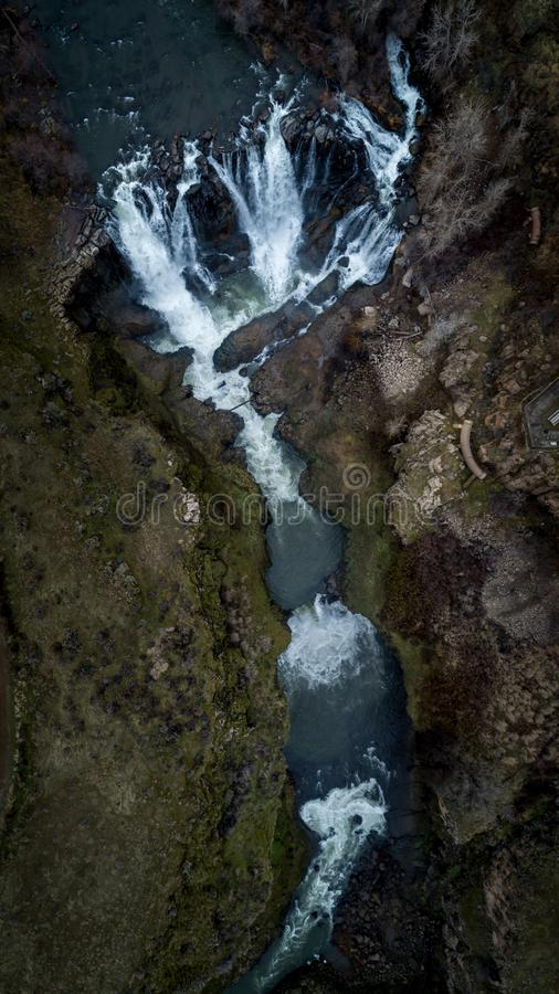 El río Blanco cae las cascadas del desierto de la puesta del sol de Oregon imagen de archivo libre de regalías