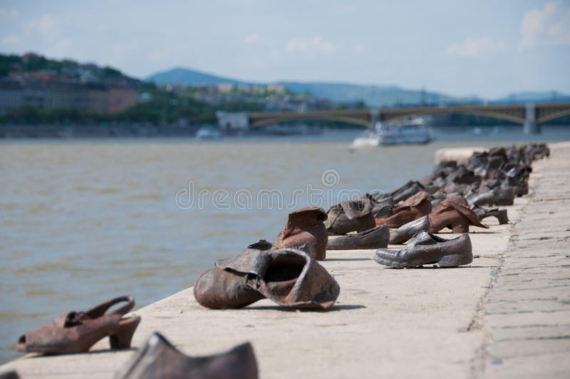 El río Danubio Budapest de los zapatos fotos de archivo libres de regalías