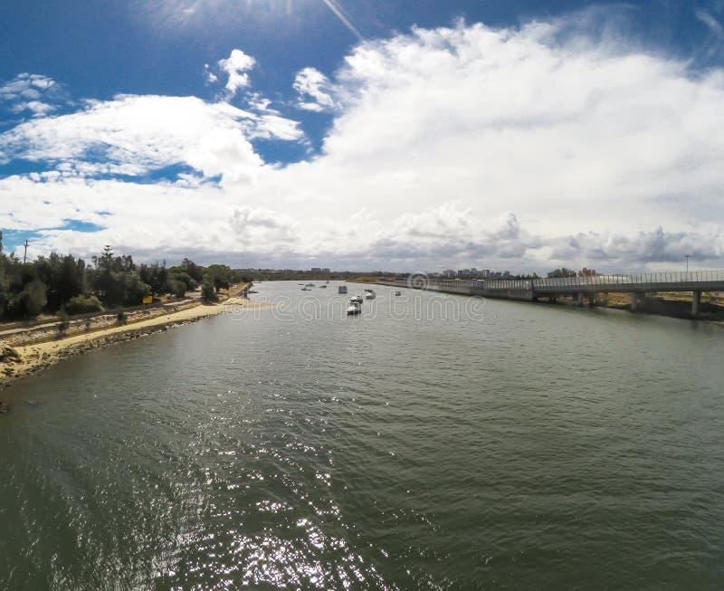 El río de los cocineros, un estuario ahogado dominado marea semimadura del valle, es un tributario de la bahía de la botánica imagen de archivo libre de regalías
