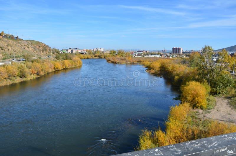 El río de Uda de un puente fotos de archivo libres de regalías