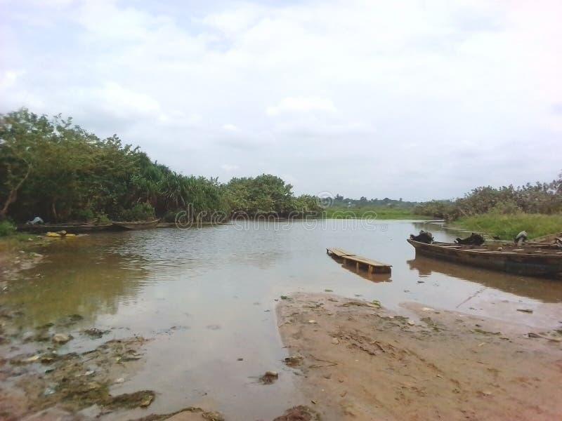 El río en mi pueblo, naturaleza es bueno, pero es mejor nosotros el don& x27; t los emplea mal, así que entregan a nuestras venta fotos de archivo libres de regalías