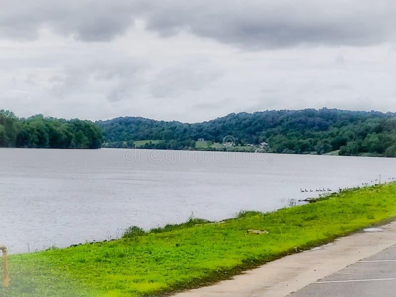 El río hasta ningún dónde fotos de archivo libres de regalías