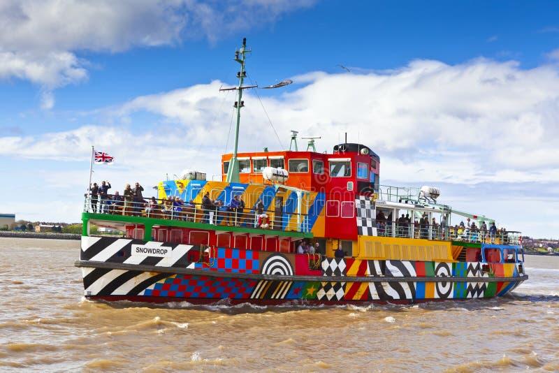 El río Mersey deslumbra el transbordador en Liverpool fotografía de archivo libre de regalías