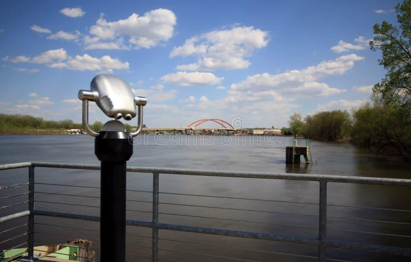 El río Misisipi pasa por alto con los prismáticos imagenes de archivo