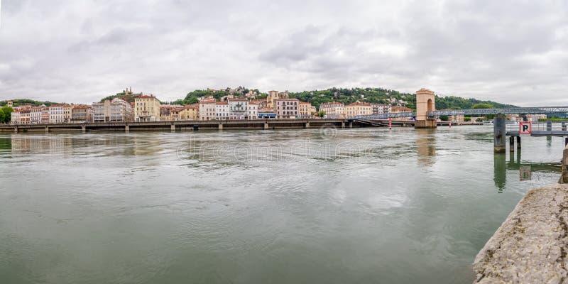 El río Rhone - Vienne panorámicos, Francia foto de archivo