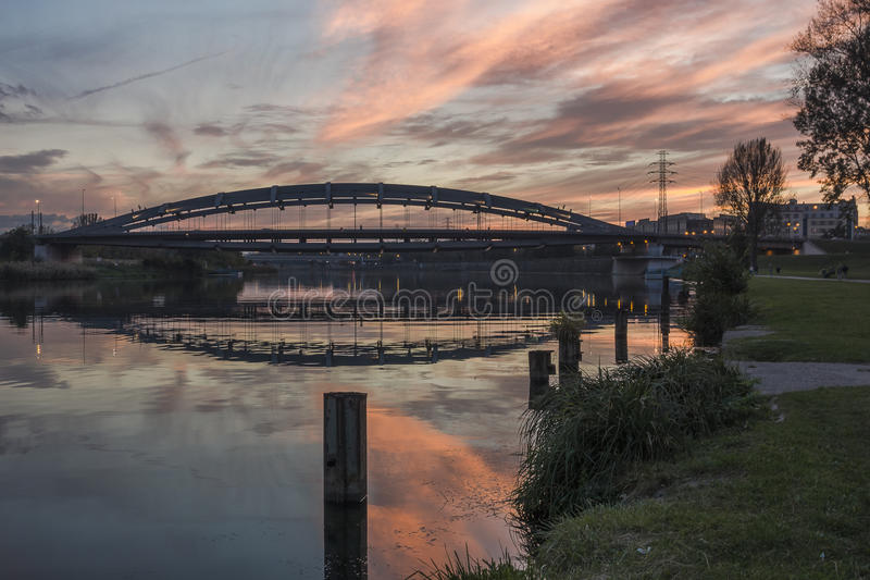 El río Vistula en Kraków fotos de archivo libres de regalías