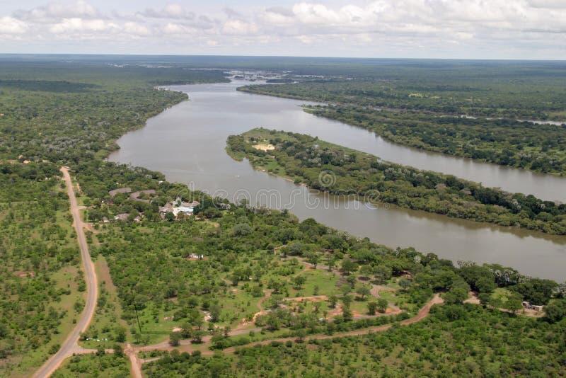 El río Zambezi en Zimbabwe imagen de archivo