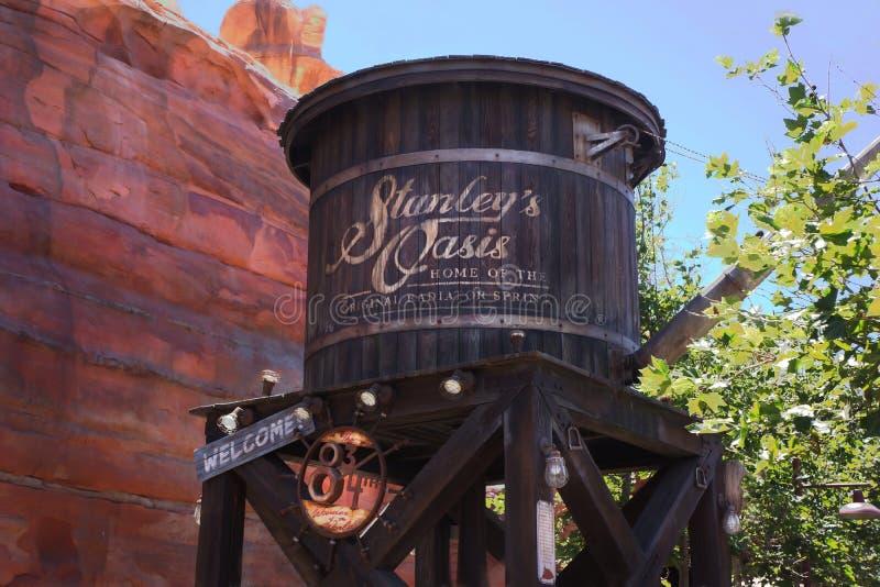 El radiador de la torre de agua salta aventura de Disney California imagen de archivo
