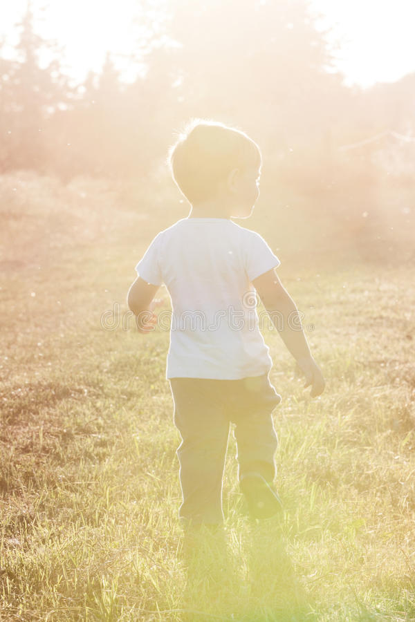 El recorrer de Little Boy fotografía de archivo