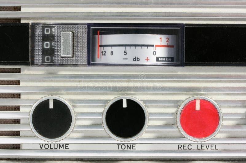 El registrador de cinta retro controla macro fotos de archivo libres de regalías