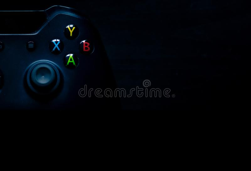 El regulador del juego de Brandless se sienta en la izquierda superior de la imagen perfecta para el Powerpoints y el otro materi imagenes de archivo