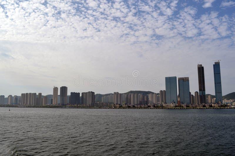 El resultado del desarrollo expansivo en China Él ciudad del ` s Dalian, imágenes de archivo libres de regalías