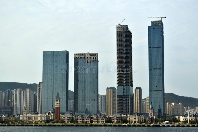 El resultado del desarrollo expansivo en China Él ciudad del ` s Dalian, foto de archivo libre de regalías