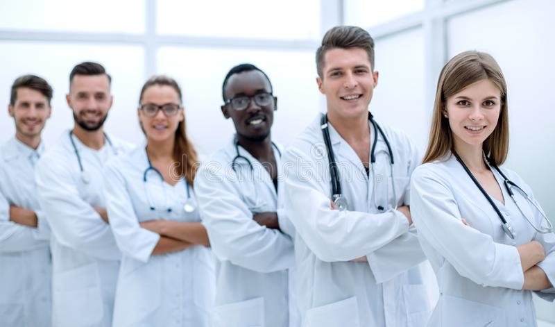 El retrato de un grupo acertado de doctores interna fotografía de archivo libre de regalías