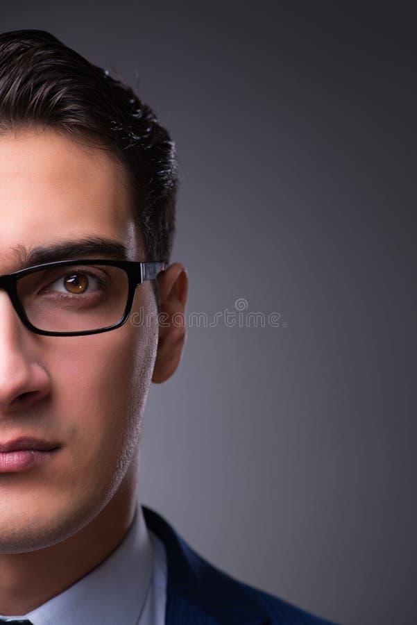 El retrato del hombre de negocios hermoso joven imágenes de archivo libres de regalías