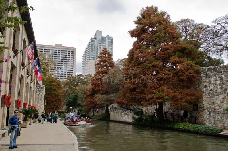 El riverwalk de San Antonio céntrico imagen de archivo libre de regalías