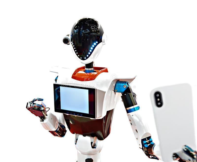 El robot de Android hace blanco aislado selfie