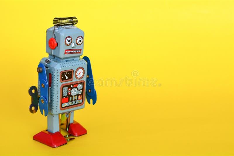 El robot del juguete de la lata del vintage aisl? fotos de archivo libres de regalías