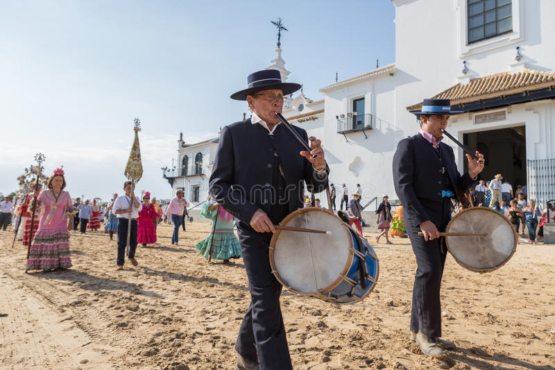El ROCIO, ANDALUCIA, SPAIN - MAY 22: Romeria after visiting Sanctuary goes to village. royalty free stock photos