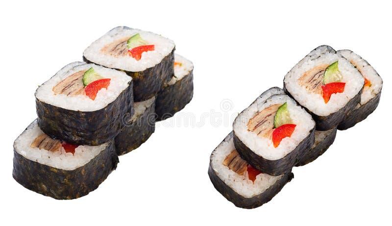 El rodillo del sushi fijó con la anguila, pimienta dulce, pepino ilustración del vector