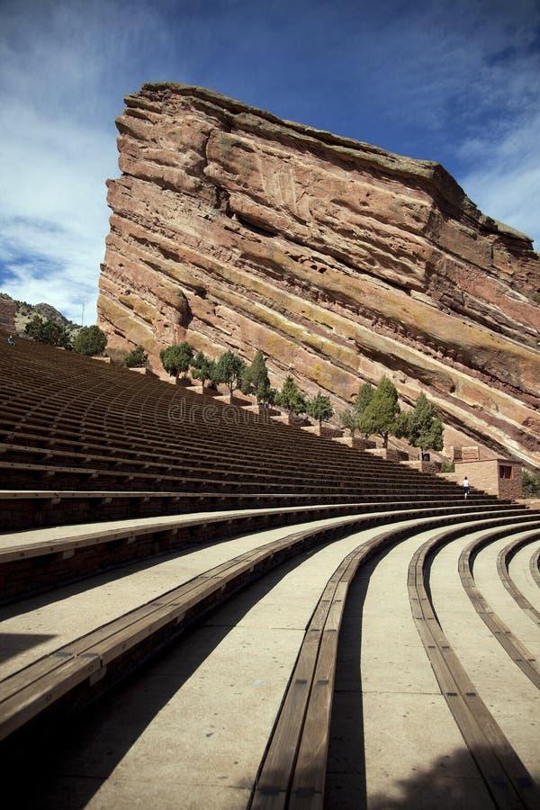 El rojo oscila el Amphitheatre foto de archivo