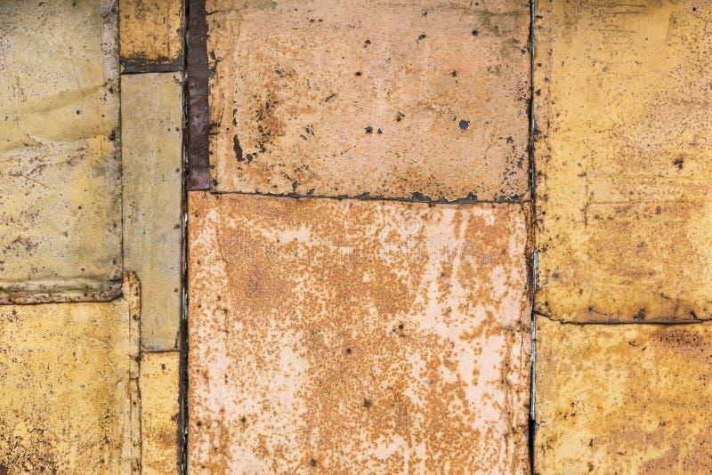 El rojo sucio aherrumbró textura plateada de metal áspera foto de archivo libre de regalías