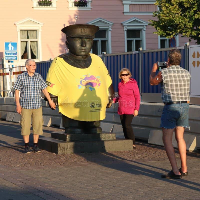 El símbolo de la ciudad está llevando la camiseta para honrar un festival de la roca foto de archivo libre de regalías
