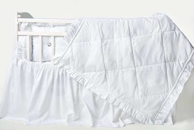 El ` s fácil dormir firmemente en una cama le gusta esto fotos de archivo libres de regalías