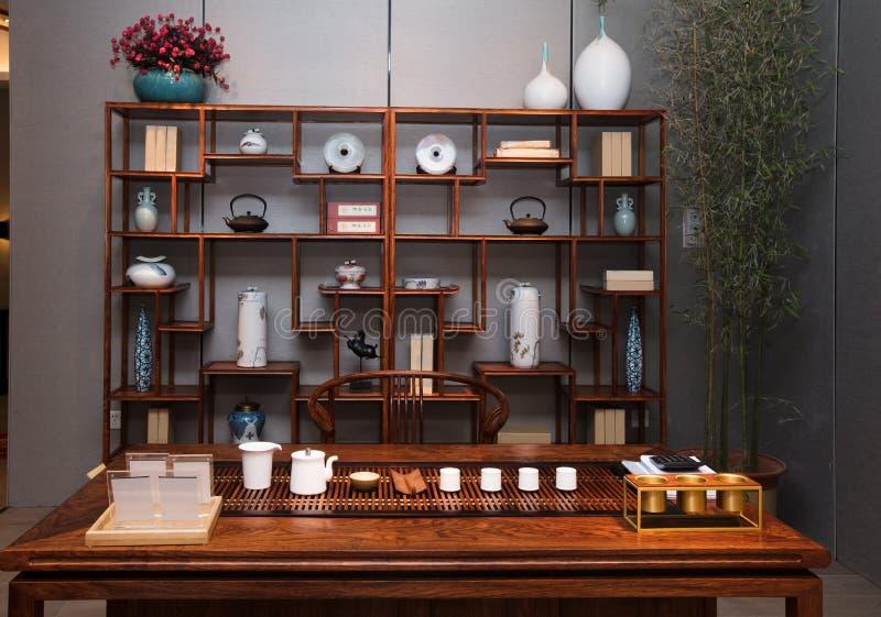 El salón de té de familias chinas modernas fotografía de archivo libre de regalías
