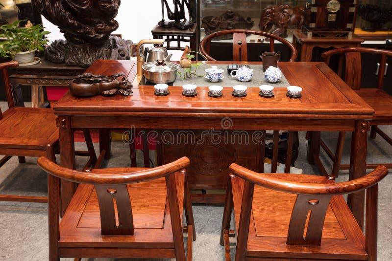 El salón de té de familias chinas modernas imágenes de archivo libres de regalías