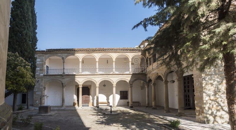 EL Salvador Courtiyard, Ubeda, Jaen, Spagna della cappella del salvatore fotografie stock