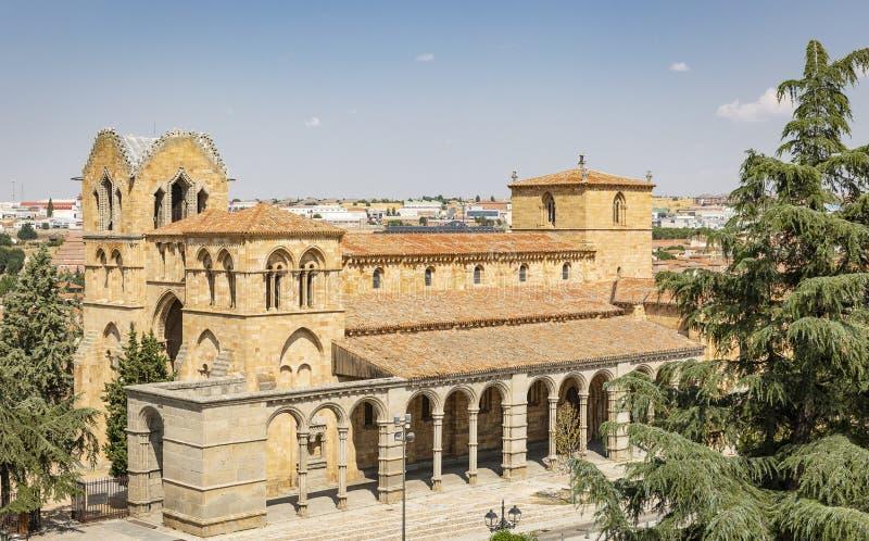 El San Vicente Basilica en la ciudad de Ávila fotos de archivo libres de regalías