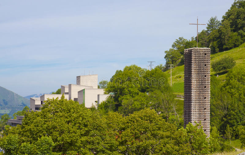 El santuario de Arantzazu es un santuario franciscano situado en Oñati, país vasco imagen de archivo libre de regalías
