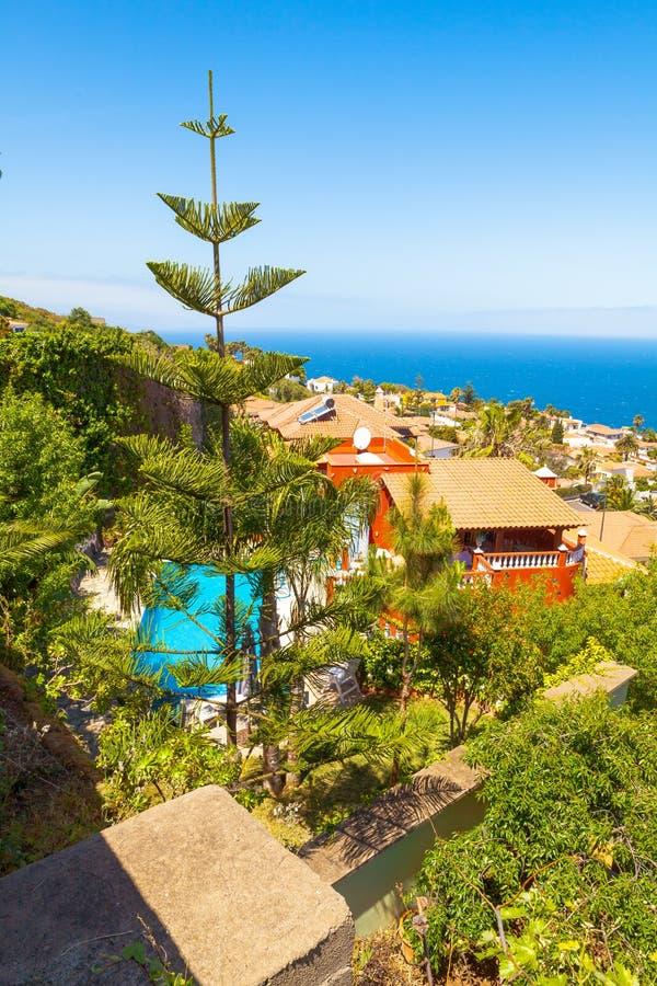 EL Sauzal Los Narajos Tenerife con vista al mar del sol imagen de archivo libre de regalías