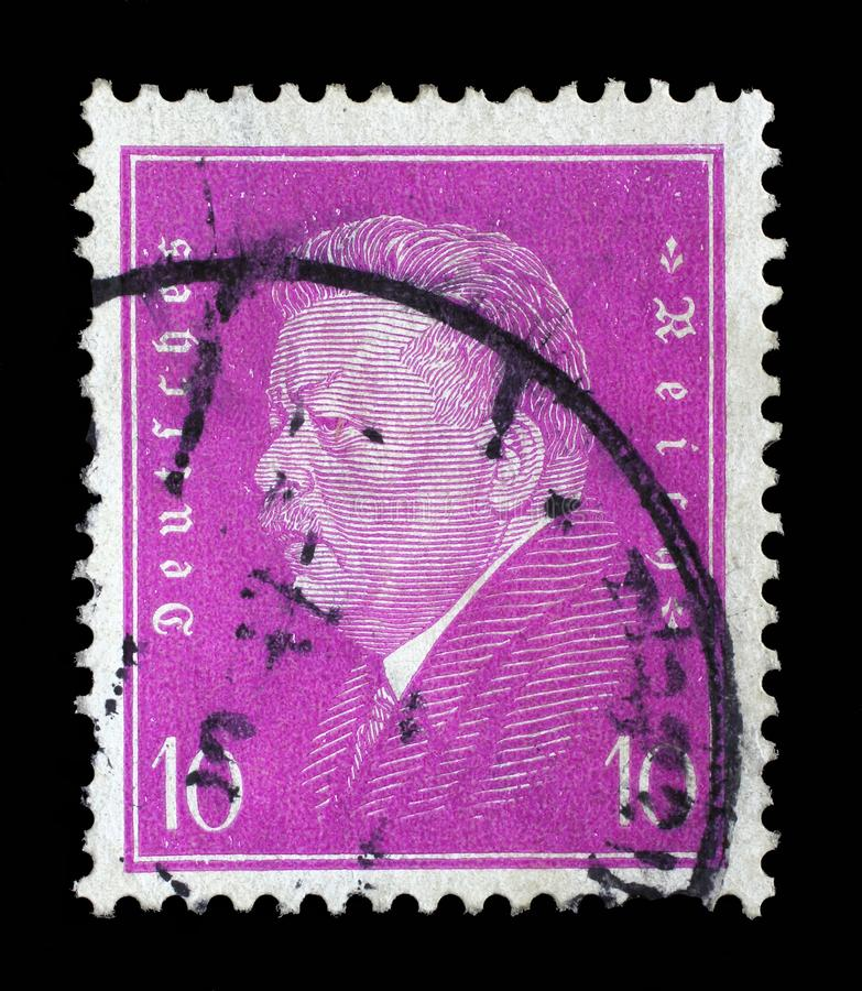 El sello impreso en el Reich alemán muestra a Friedrich Ebert imagenes de archivo