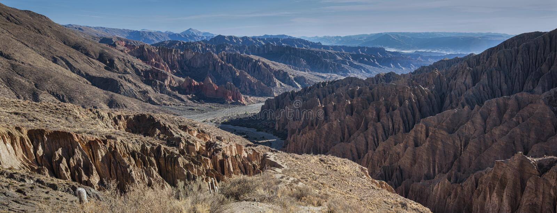 El Sillar przepustka blisko Tupiza, krajobraz wokoło Quebrada De Palala Dolina z wygryzionymi spiky rockowymi formacjami - Boliwi zdjęcie royalty free
