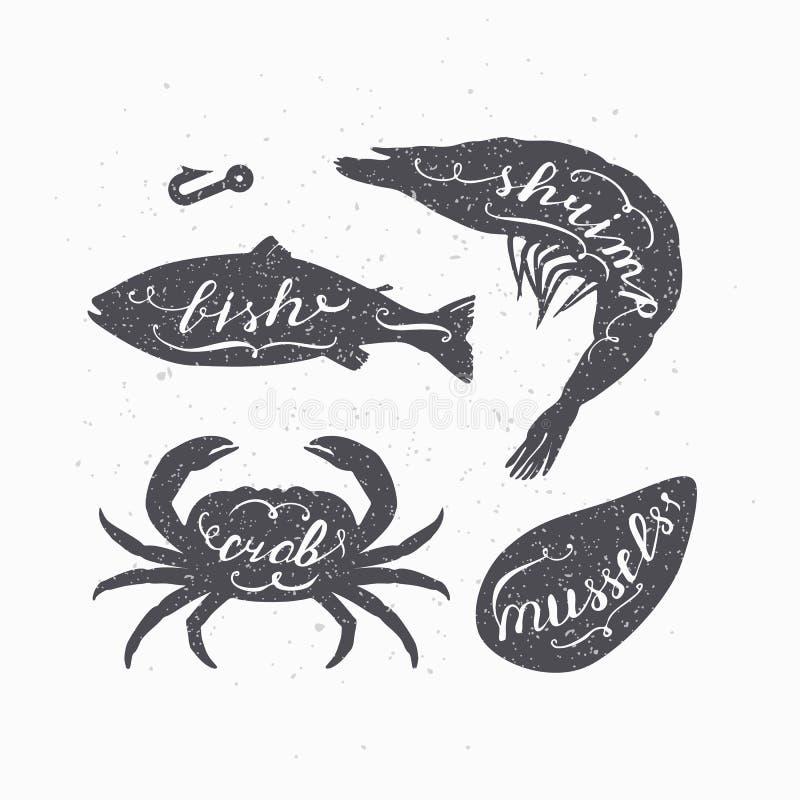 El sistema de siluetas de los animales marinos con las letras firma Pescados, cangrejo, camarón y mejillones Tienda de los marisc ilustración del vector