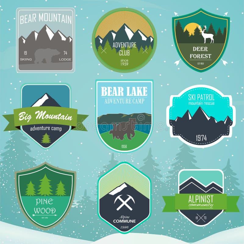 El sistema del logotipo al aire libre de la aventura y de la expedición badges libre illustration