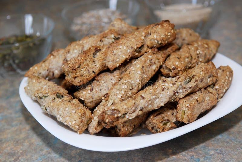 El snack bar con los granos preparados para come imágenes de archivo libres de regalías