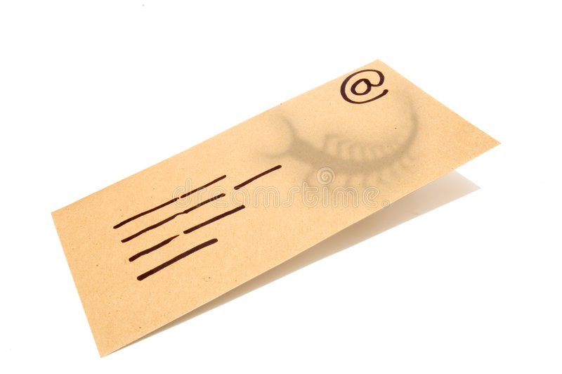 El sobre, concepto para el email con un virus infectó la conexión. foto de archivo
