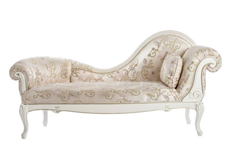 El sofá tallado en el renacimiento, Barroco aisló el fondo blanco imagen de archivo libre de regalías