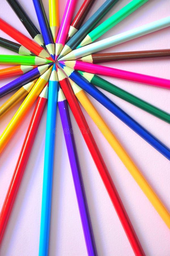El sol colorido irradia (los pancils coloreados) fotografía de archivo libre de regalías
