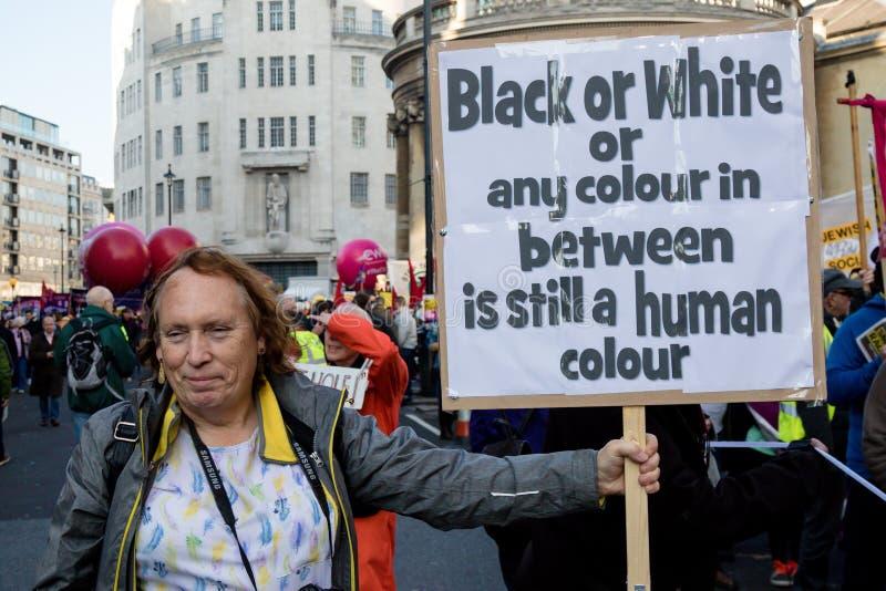 El soporte hasta racismo marzo noviembre de 2018 Londres fotos de archivo libres de regalías